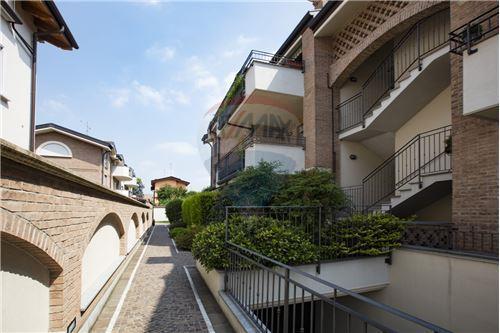 Novate Milanese, MI - In vendita - 220.000 €