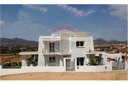 Itálie Real Estate & Všechny typy nemovitostí For Rent and For Sale ...