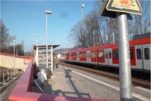 S-Bahn Anschluß S2 Frankfurt