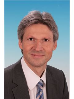 Immobilienmakler/in - Uwe Hoffmann - RE/MAX in Ludwigshafen