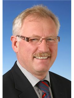 Immobilienmakler/in - Hans-Peter Bronner - REMAX in Lörrach
