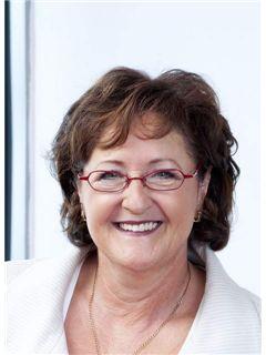 Immobilienmakler/in - Helga Sattler - REMAX in Lörrach