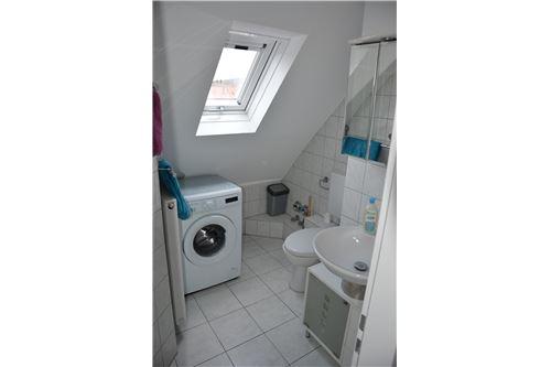 Badezimmer DG-Wohnung
